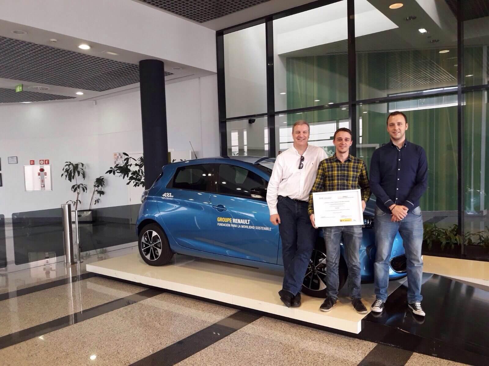 Premio Renault movilidad sostenible integrantes Parkifast