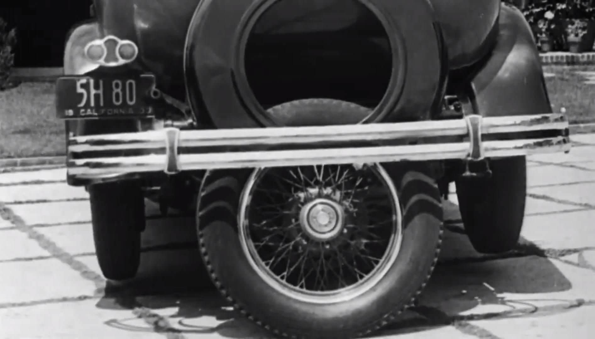 La Quinta Rueda de Brooks Walker, el predecesor de los coches que aparcan solos.